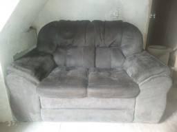 Título do anúncio: Vendo este sofá dois lugares