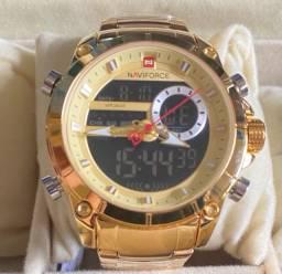 Título do anúncio: Relógio Naviforce Dourado grande em aço novo original(aceito cartão )