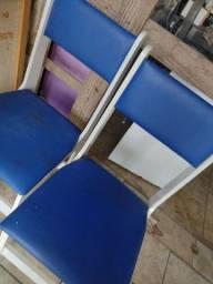 Cadeira estofada em mdf