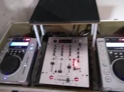 2cdj lyco 200 mais Mixer Behringer dx626 mais case com suporte para notebook