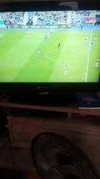 Troco duas tvs lcd 32 buster e Samsung por
