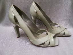 Sapato peep toe tam 38 verniz off white super novo