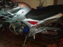 Moto twister - 2008