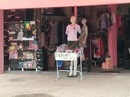 Passo loja vestuário. calçados e papelaria