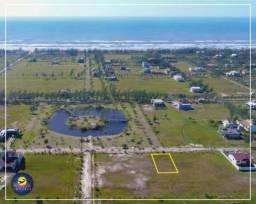 Terreno de frente para o lago no Condomínio Lagoa Cortada