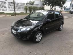 Fiesta hatch 2011 1.0 completo $15.500 urgente - 2010