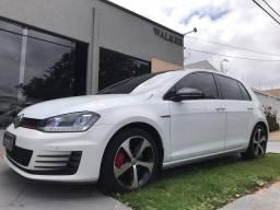 Volkswagen Golf GTI 2.0 TSi - 2015
