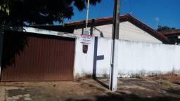 Otima casa, 3 quartos, 2 banheiros, perto da Eternite no setor Santa Rita