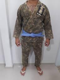 Vendo kimono trançado, usado poucas vezes, camuflado