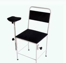 Cadeira simples para coleta de sangue em estofado e bracadeira Inox