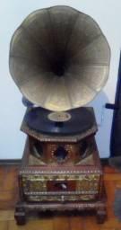 """Gramofone Indiano Antigo """"his master's voice"""""""