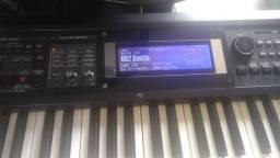 Vendo um teclado da Roland gw8