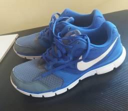 Título do anúncio: Tênis Nike N 39 Original Usado