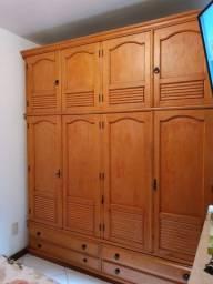 Armario de quarto, cômoda e criado mudo de madeira