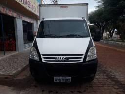 Iveco vende ou troca em caminhão aberto