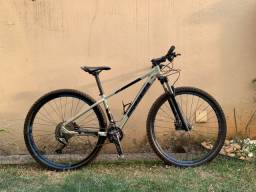 Título do anúncio: Bicicleta Aro 29 Sense Rock Evo - Utilizada 10x