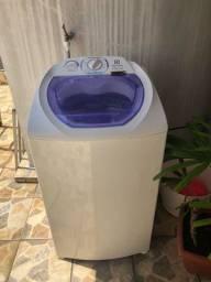 Máquina de lavar Electrolux de 8kg, tempo de uso de 2 anos