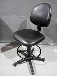 Cadeira Caixa Alta Giratória