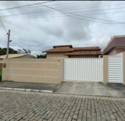 Casa à  venda em condomínio fechado em Itaboraí