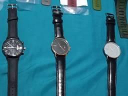 Vários modelos de relógios