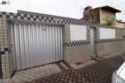 Casa Padrão para Venda em Parquelândia Fortaleza-CE