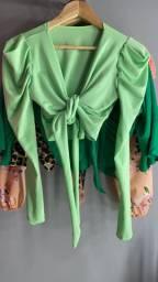 Croped verde com manguinha bufante