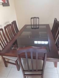 Título do anúncio: Mesa de madeira com 8 cadeiras