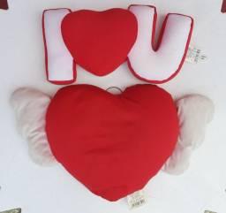 Almofadas de Coração e I Love You
