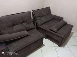 Sofá semi-novo sem detalhes impermeabilizado