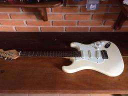 Guitarra stratocaster - pra vender