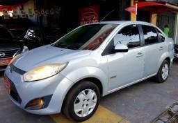 Fiesta Sedan 2011 (Tanque cheio + Transferência grátis + Brinde surpresa) é na Macedo Car - 2011
