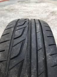 Pneu Aro 15 semi novo Bridgestone