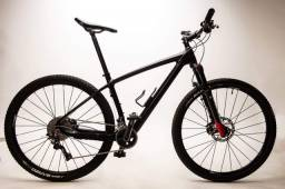 Bike carbono, aro 29 Tam 27,5