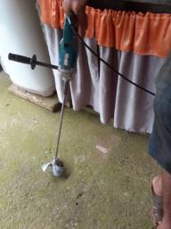 Vende-se misturador de argamassa Makita UT 2204 semi novo