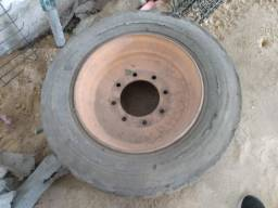 Roda para minicarregadeira (Bobcat) - seminova