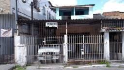 Título do anúncio: Bela casa em Coqueiral na Avenida
