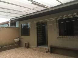 Aluga-se casa no Capão da Imbuia - Ótima Localização