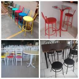 Banquetas, cadeiras e mesas direto da fábrica