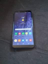 Samsung  J 8