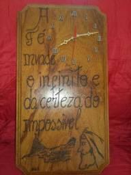 Relogio de madeira