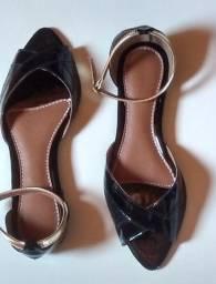 Sandália feminina rasteira