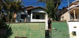 Casa com 3 kitnets em Extrema- MG