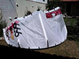 Kitesurf Nobile completo - Kite, prancha, trapézio e barra