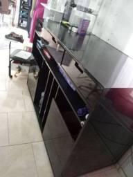 Balcão preto, prateleira, lavatório, prateleira de vidro, carrinho auxiliar