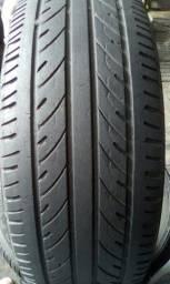 um pneu 185/65/15 Rs 100