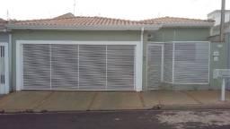 Casa Batatais 3 Quartos, Suíte, Closed, 3 Banheiros