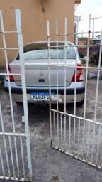 Veículo Renault ano 2005