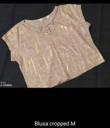 Blusa Cropped bege com Dourado