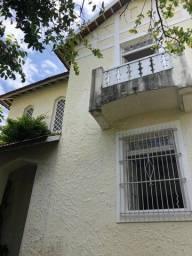 Título do anúncio: Casa com 6 quartos, 325m² de área construída no coração da cidade, confira!