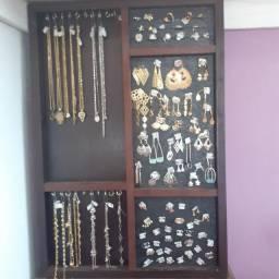 Expositor de semi-joias